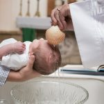 Papa: batizar desde criança, para crescer com a força do Espírito Santo